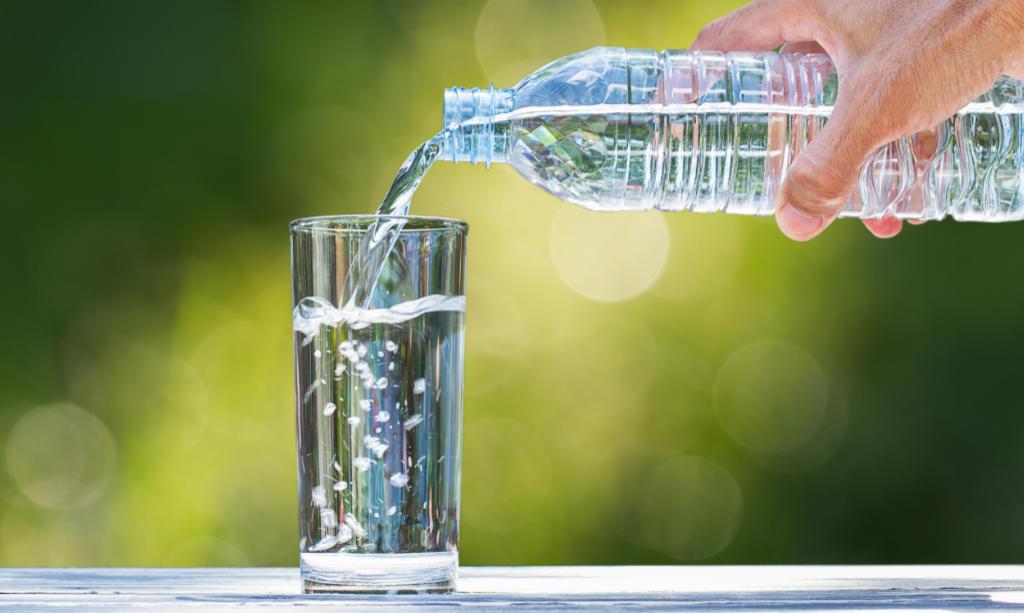 Wasser und Säfte und Blutdruck
